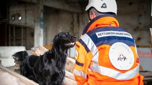 Rettungshundestaffel Vorpommern Einsatzkleidung
