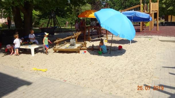 Sonnenmarkise für unseren Sandkasten