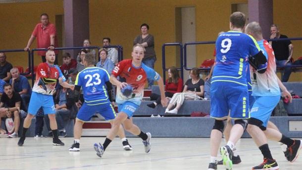 Sportpullover für unsere Lychener Handballer