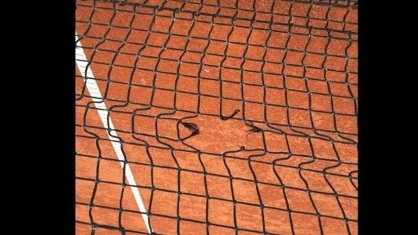 Neue Tennisnetze für die Außenplätze