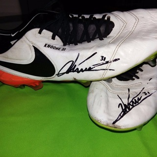 Original Matchworn-Shoes von Robin Knoche