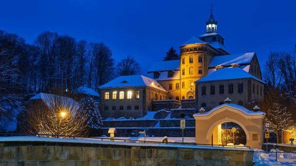 Dem Hainewalder Schloss geht das Licht aus!