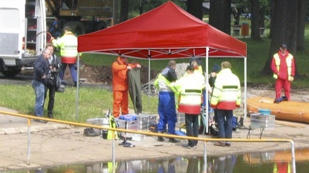 Faltpavillon für Wasserrettungsgruppe